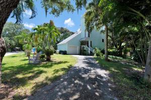 2434 Cardinal Lane, Palm Beach Gardens, FL 33410