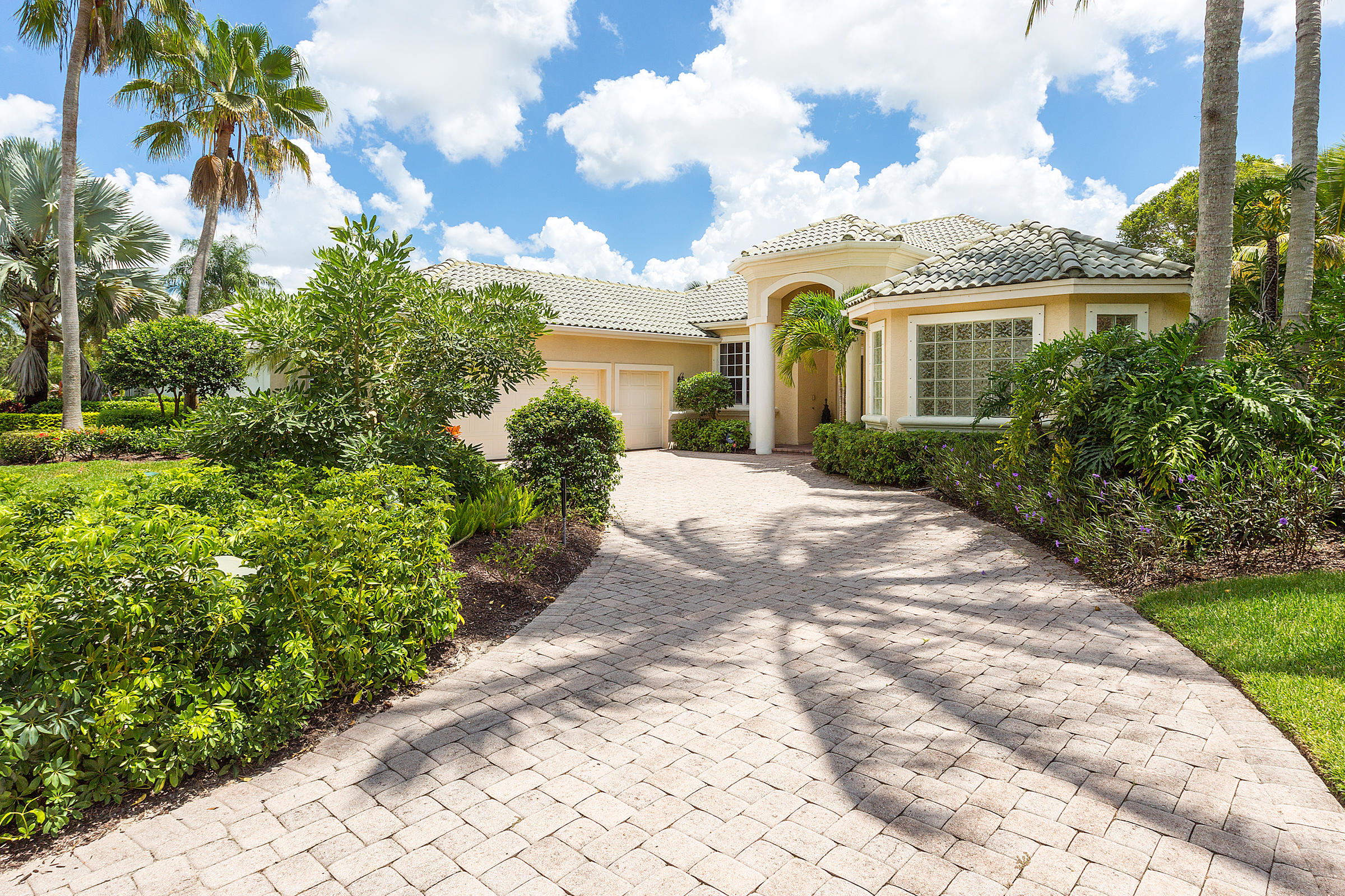 12480 Sunnydale Drive, Wellington, Florida 33414, 4 Bedrooms Bedrooms, ,4 BathroomsBathrooms,Single Family,For Sale,Palm Beach Polo and Country Club,Sunnydale,RX-10557703