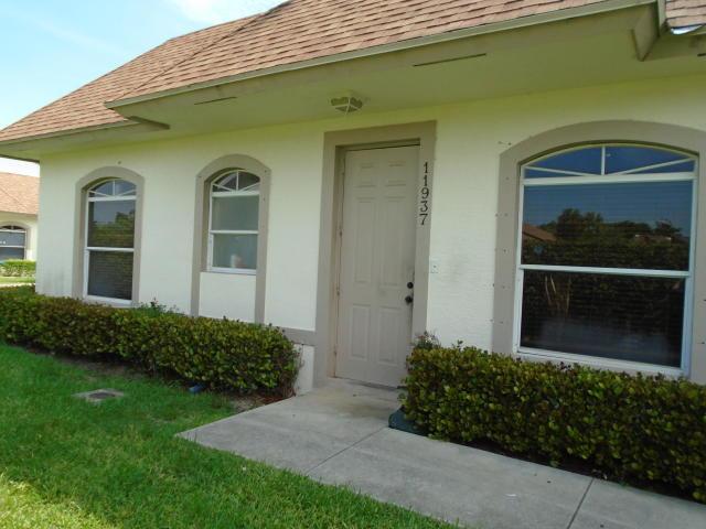 11937 Sturbridge Lane, Wellington, Florida 33414, 3 Bedrooms Bedrooms, ,2 BathroomsBathrooms,Townhouse,For Rent,Sturbridge,RX-10557742