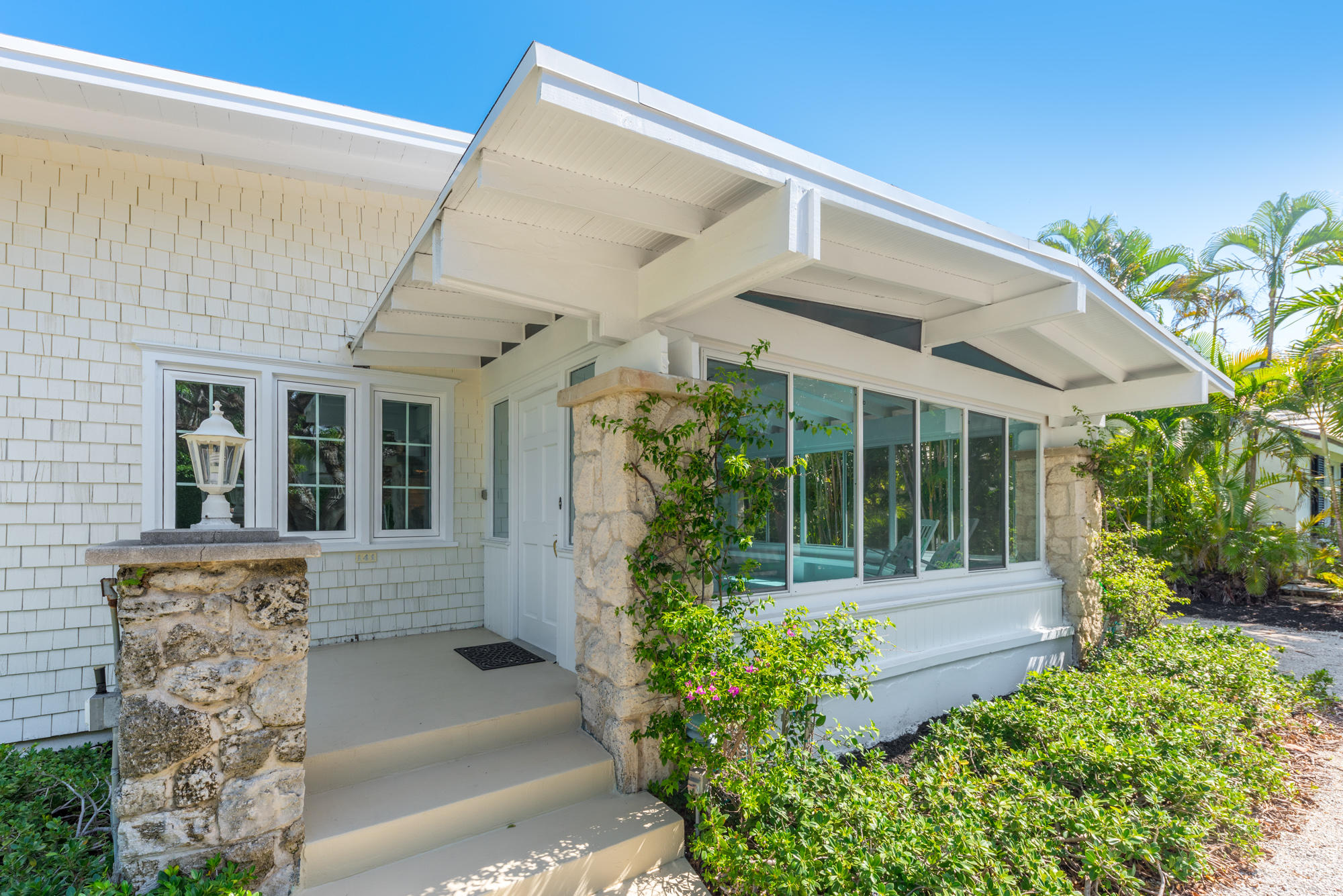 141 Chilean Avenue, Palm Beach, Florida 33480, 4 Bedrooms Bedrooms, ,3.1 BathroomsBathrooms,Single Family,For Rent,Chilean,RX-10557889