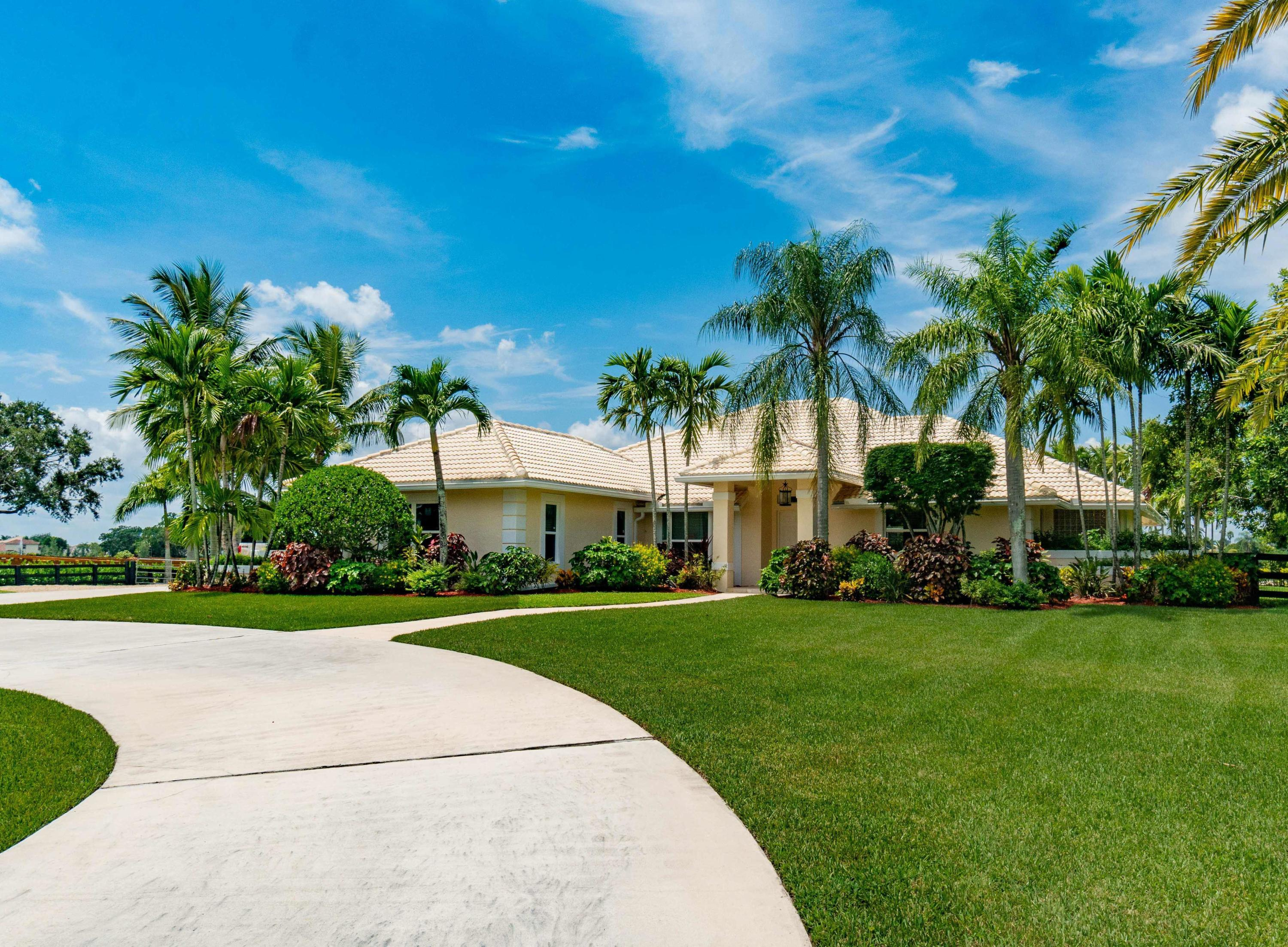 Wellington, Florida 33414, 4 Bedrooms Bedrooms, ,3 BathroomsBathrooms,Residential,For Sale,Rolling Rock,RX-10558274