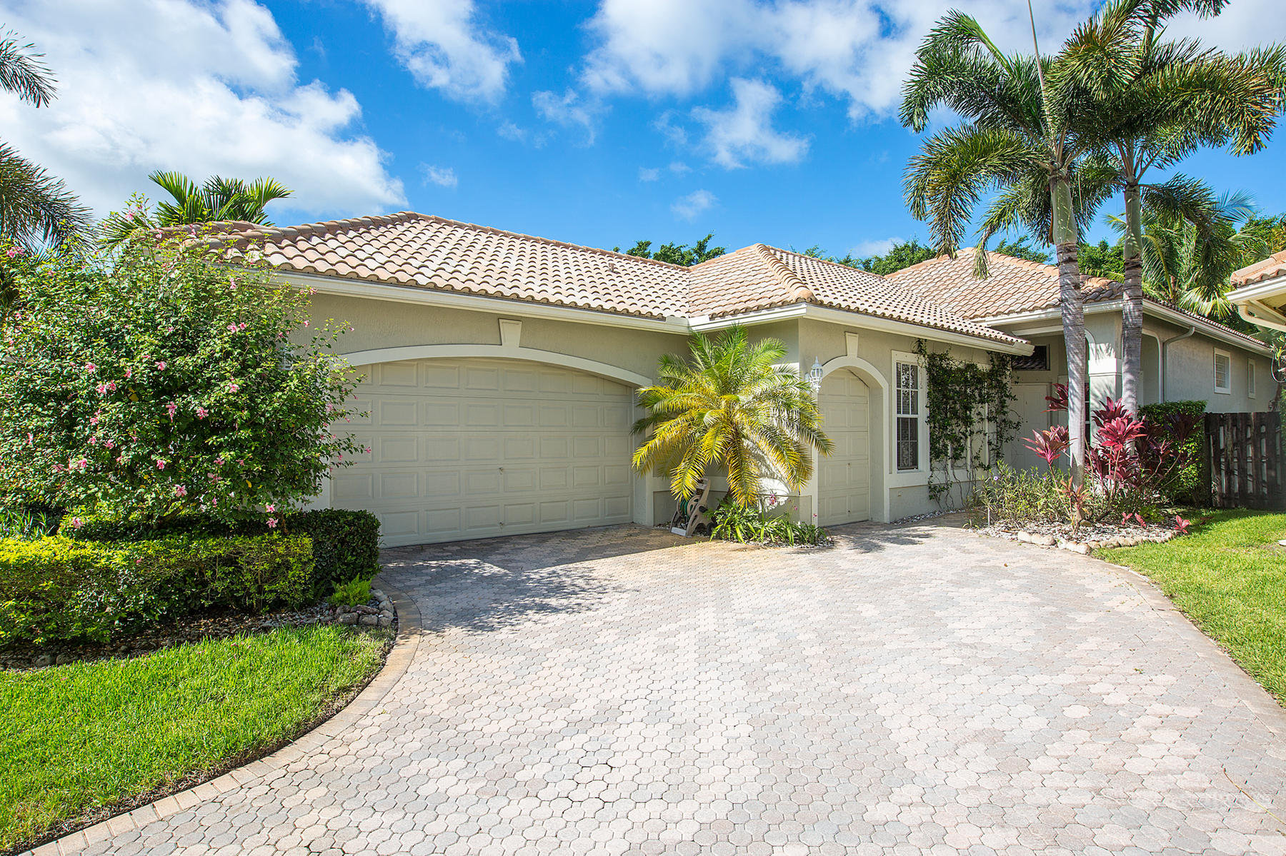 2595 Players Court, Wellington, Florida 33414, 3 Bedrooms Bedrooms, ,3.1 BathroomsBathrooms,Single Family,For Rent,PALM BEACH POLO,Players,1,RX-10558550