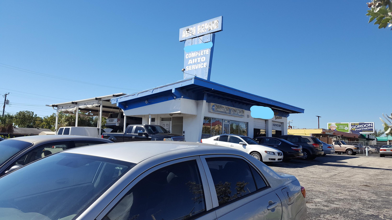 1300 Hypoluxo Road Lantana, FL 33462