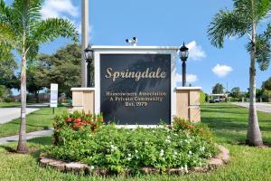 671 Springdale Circle, Palm Springs, FL 33461