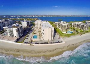3450 S Ocean Boulevard, 525, Palm Beach, FL 33480