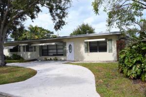 2091 N Palm Circle, North Palm Beach, FL 33408