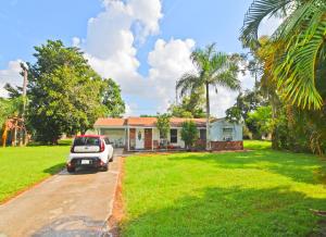 4565 Woodmere Lane, Lake Worth, FL 33463