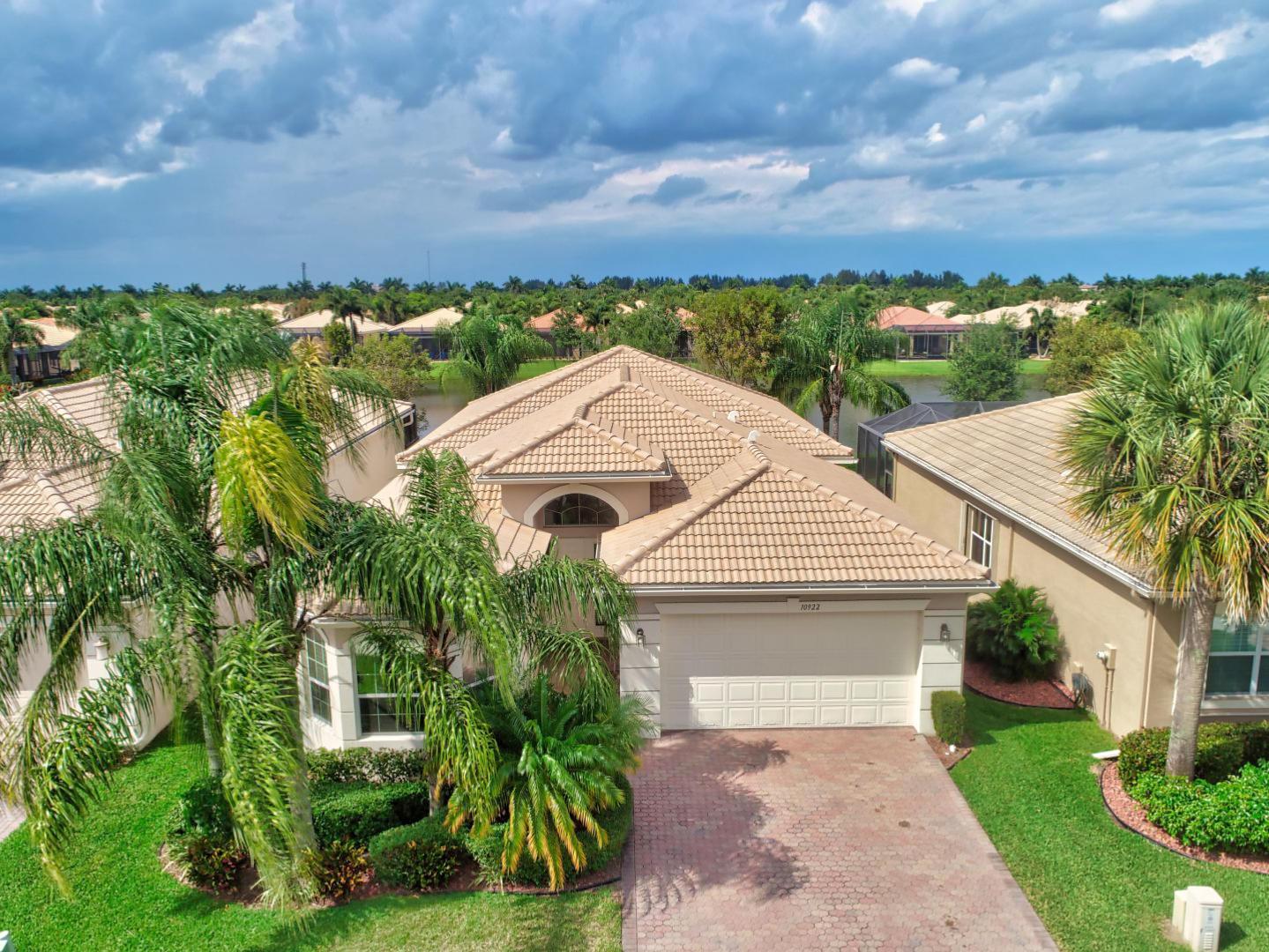 10922 Carmelcove Circle  Boynton Beach FL 33473