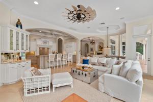 10725 Pine Tree Terrace, Boynton Beach, FL 33436