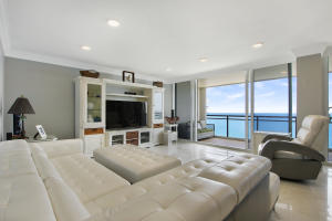 2000 S Ocean Boulevard, 17 Penthouse B, Boca Raton, FL 33432