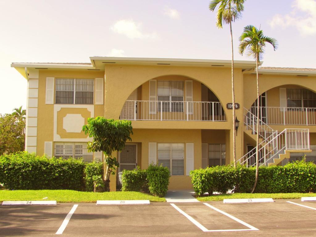 13976 Via Flora, Delray Beach, Florida 33484, 2 Bedrooms Bedrooms, ,2 BathroomsBathrooms,Condo/Coop,For Rent,PALM GREENS,Via Flora,1,RX-10559861