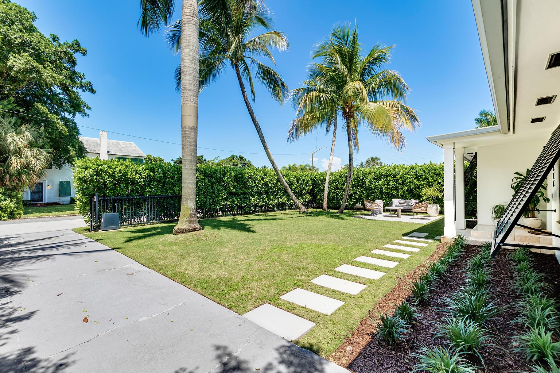 316 Murray Road West Palm Beach, FL 33407