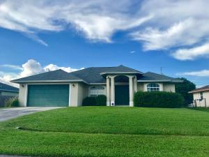 111 SW Milburn Circle, Port Saint Lucie, FL 34953