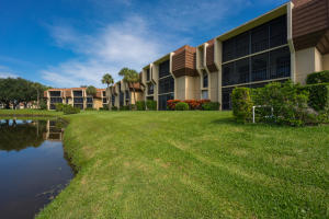 5250 Woodland Lakes Drive, 227, Palm Beach Gardens, FL 33418