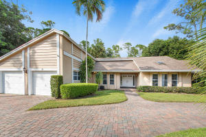 35 Saint Davids Way, Wellington, FL 33414
