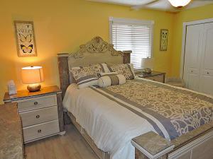 2641 Gately Drive W, 1003, West Palm Beach, FL 33415