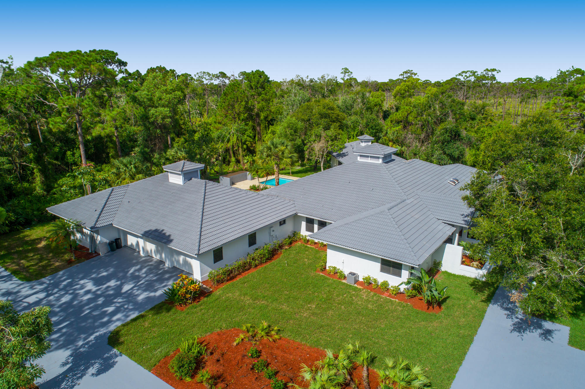 Home for sale in Island Country Estates Jupiter Florida