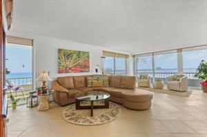 5550 N Ocean Drive, 8b, Riviera Beach, FL 33404