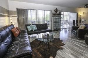 300 Waterway Drive, 307, Lantana, FL 33462