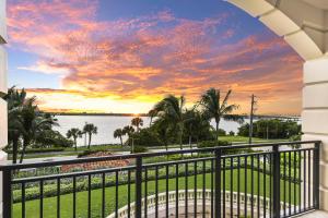 3000 S Ocean Boulevard, 301, Palm Beach, FL 33480