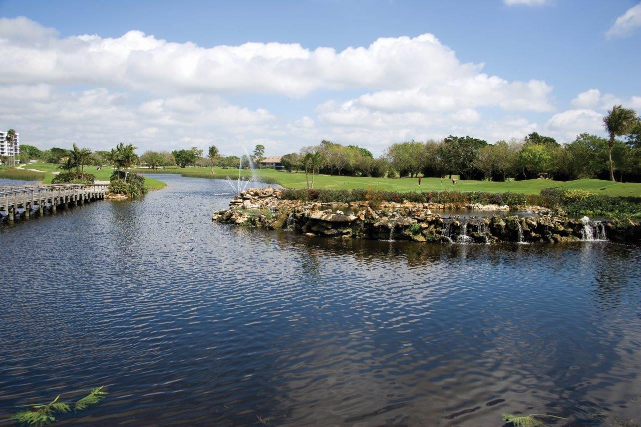 19452 Waters Reach Lane 305 Boca Raton, FL 33434