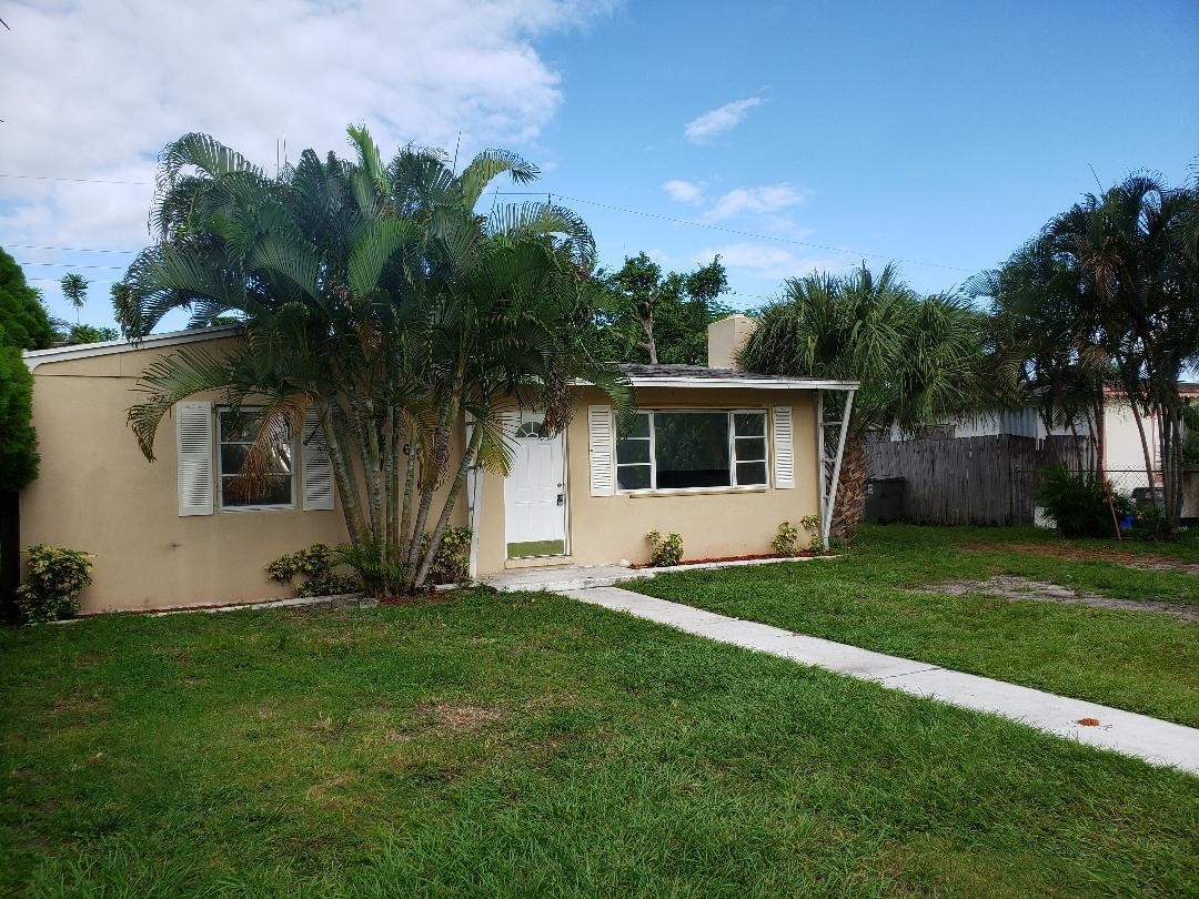 2369 Clubhouse Drive, West Palm Beach, FL 33409