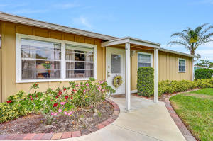 6169 SE Poinciana Lane, Hobe Sound, FL 33455