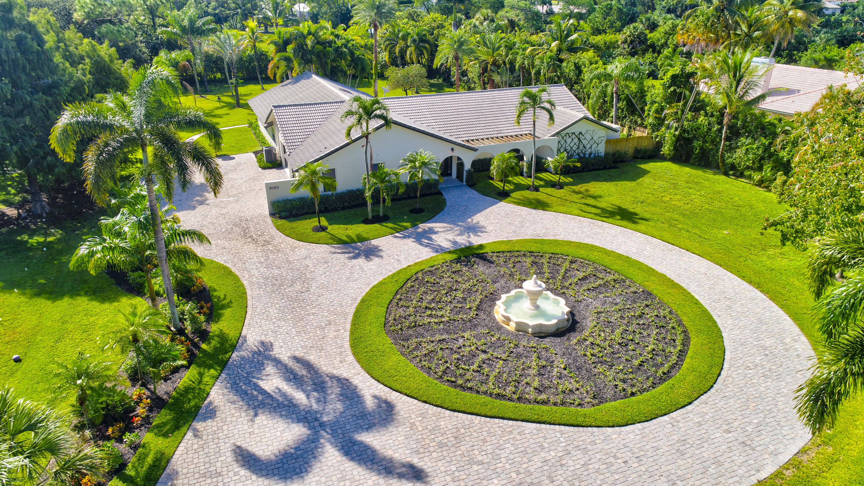 Photo of 9095 Dundee Dr, Lake Worth, FL 33467