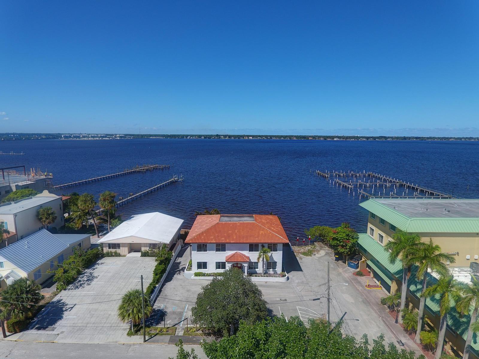 117 SE Seminole Street Stuart, FL 34994