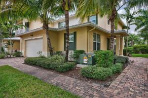 1069 Piccadilly Street, Palm Beach Gardens, FL 33418