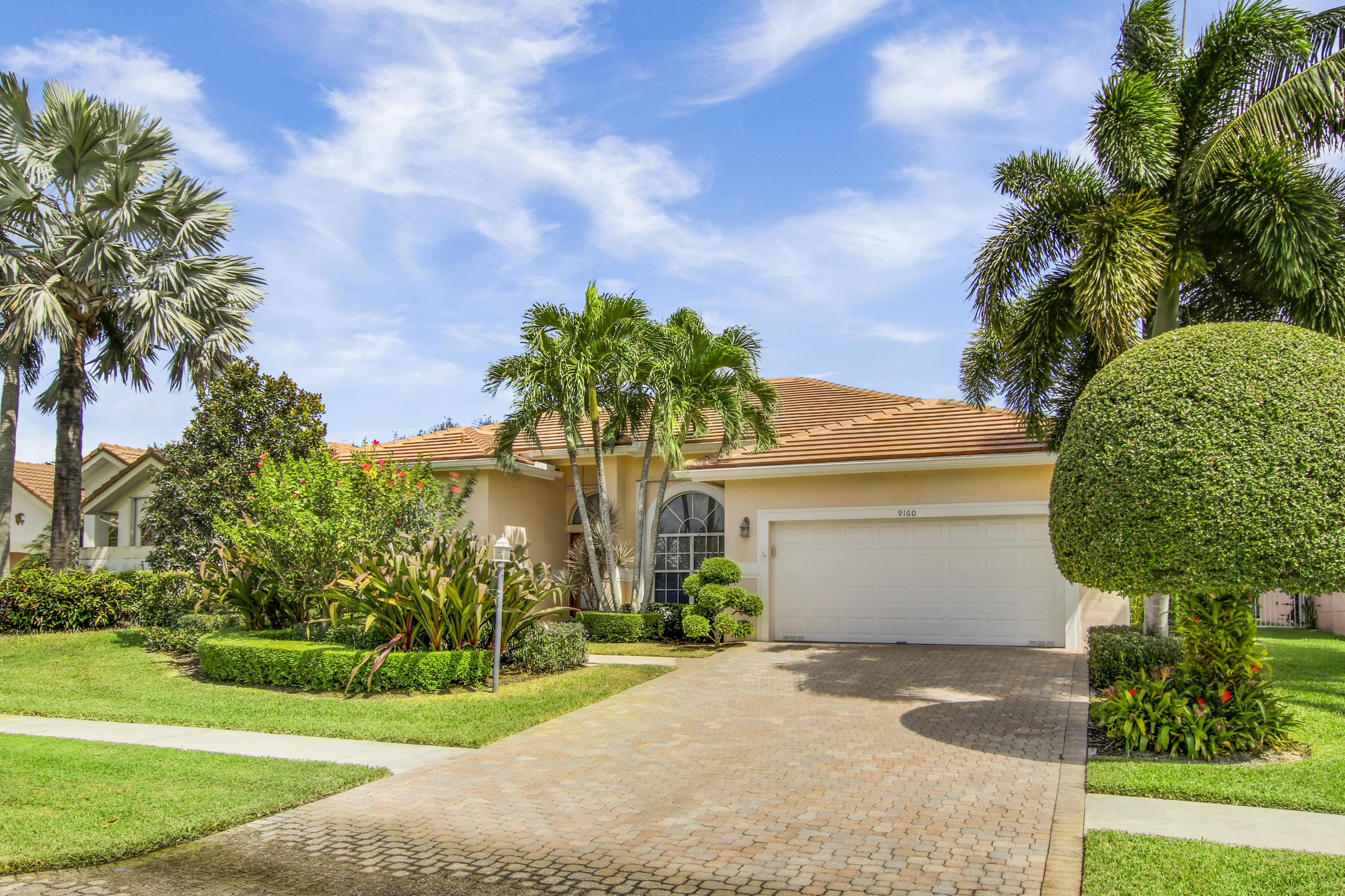 Photo of 9160 Cypress Hollow Drive, Palm Beach Gardens, FL 33418