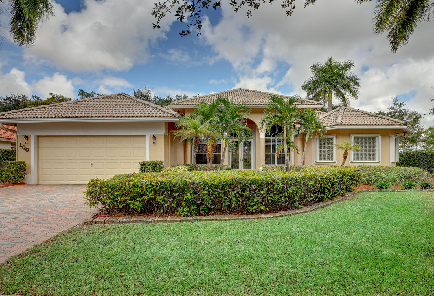 Photo of 100 Silver Bell Crescent, Royal Palm Beach, FL 33411