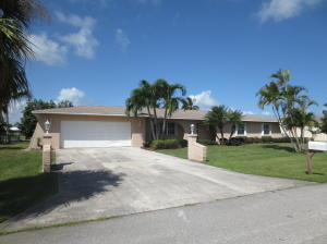 123 Queens Road, Hutchinson Island, FL 34949