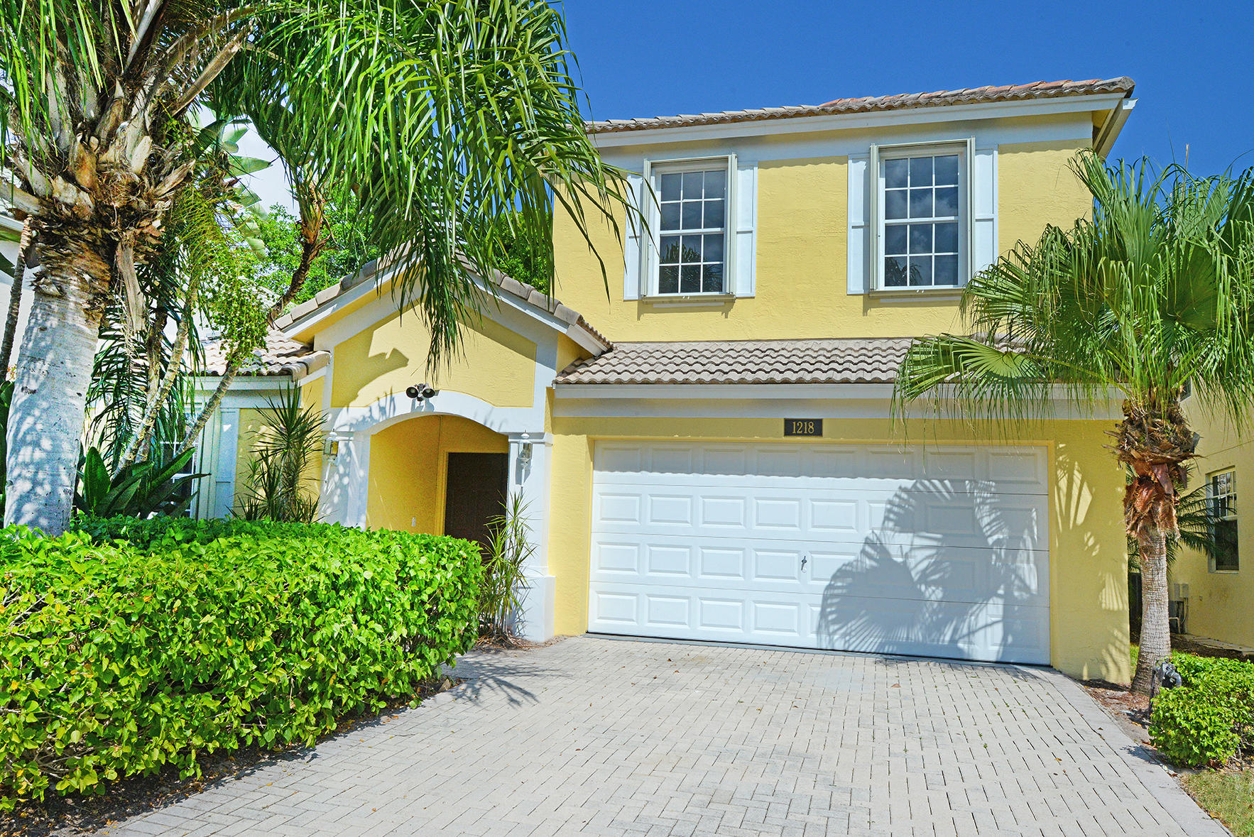 Photo of 1218 Avondale Lane, West Palm Beach, FL 33409