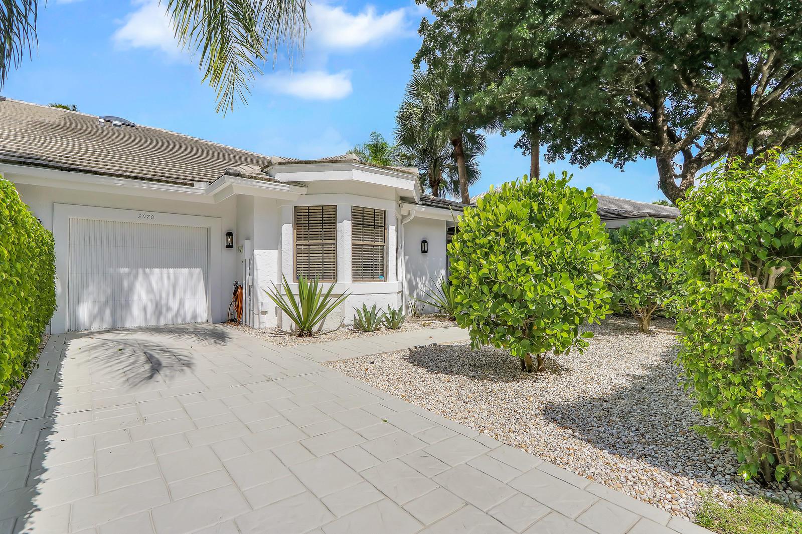 2970 Twin Oaks Way, Wellington, Florida 33414, 3 Bedrooms Bedrooms, ,3 BathroomsBathrooms,Villa,For Sale,Palm Beach Polo,Twin Oaks,1,RX-10567162