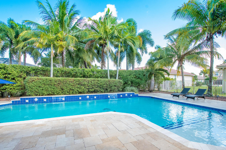 4672 Sugar Beach Way, Wellington, Florida 33449, 5 Bedrooms Bedrooms, ,3 BathroomsBathrooms,Single Family,For Sale,Sugar Beach,RX-10568551