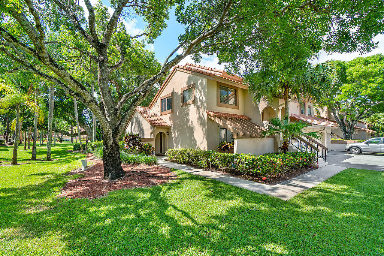 5530 Coach House Circle #f Boca Raton, FL 33486