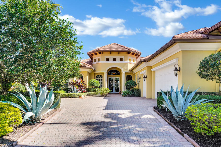 7928 Cranes Pointe Way, West Palm Beach, Florida 33412, 4 Bedrooms Bedrooms, ,5 BathroomsBathrooms,Single Family,For Rent,Ibis Golf and Country Club,Cranes Pointe,RX-10569089