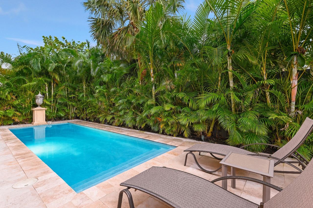 212 Lytton Court West Palm Beach, FL 33405