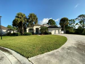 325 NW Dewburry Terrace, Jensen Beach, FL 34957