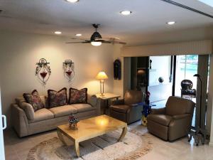 30 Glens Drive Boynton Beach FL 33436