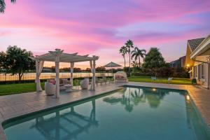 212 Thornton Drive, Palm Beach Gardens, FL 33418