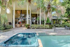 19624 Oakbrook Circle Boca Raton FL 33434