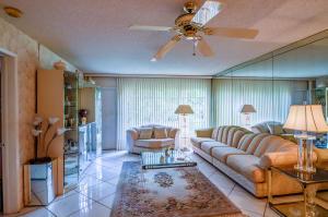 9185 Flynn Circle Boca Raton FL 33496