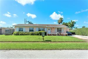 1409 Lake Bass Drive, Lake Worth, FL 33461