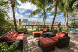 2615 Lake Drive, West Palm Beach, FL 33404