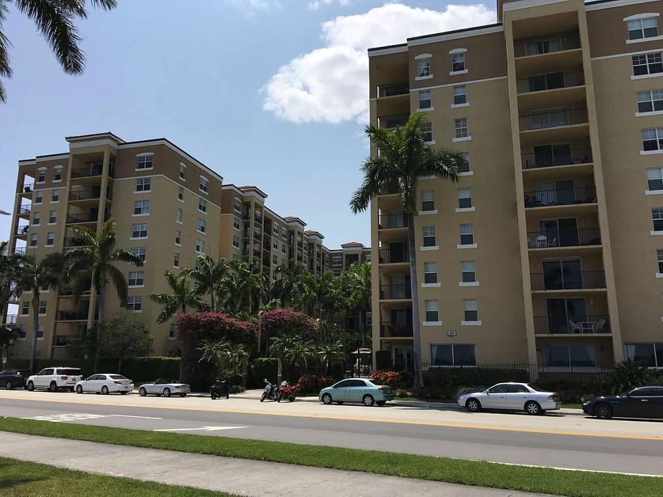 1801 Flagler Drive, West Palm Beach, Florida 33407, 2 Bedrooms Bedrooms, ,2 BathroomsBathrooms,Residential,for Sale,Flagler Pointe,Flagler,RX-10571683, , , ,for Sale