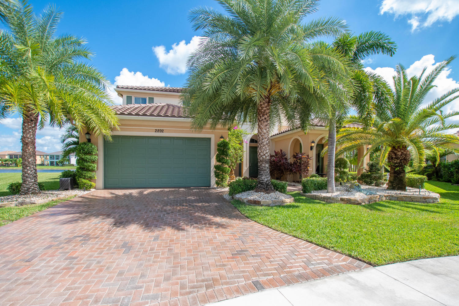 2892 Payson Way, Wellington, Florida 33414, 5 Bedrooms Bedrooms, ,4.1 BathroomsBathrooms,Single Family,For Rent,Payson,RX-10571073