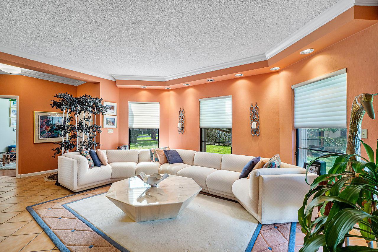6670 Villa Sonrisa Drive