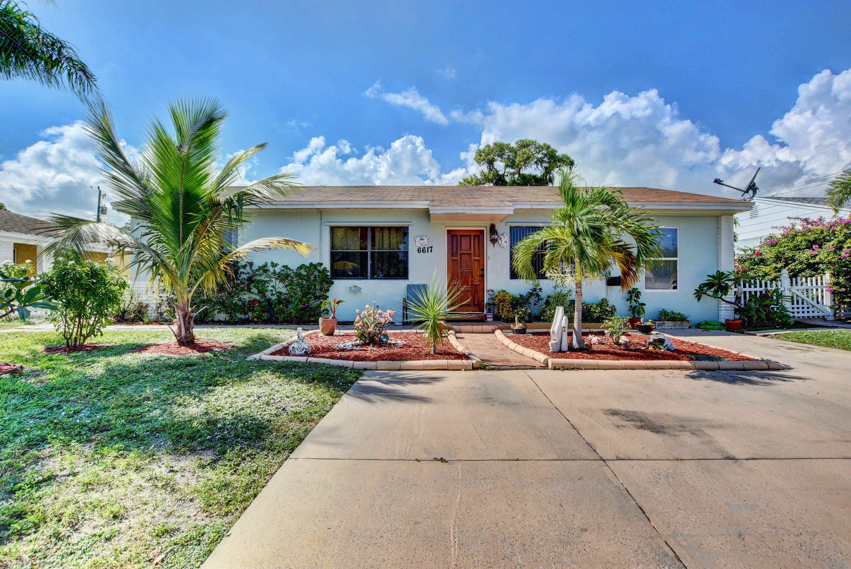 Photo of 6617 Lytle Court, West Palm Beach, FL 33405